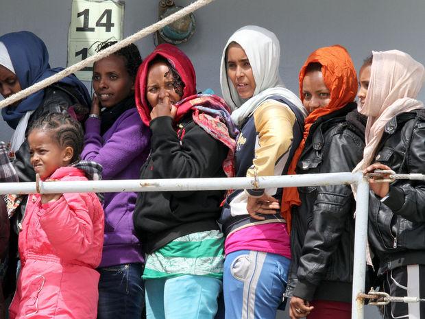 Utečenci a hrozba rozpadu Schengenu. Práve v druhom polroku tohto roka sa očakáva ďalšia, masívna vlna príchodu migrantov do Európy. Foto: Zdroj: Pravda